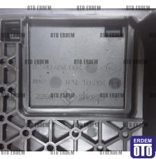 Megane 3 K4M Eksantrik Triger kapağı 8200404083 - 135000849R 8200404083 - 135000849R
